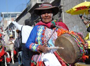 VIDEOS. Dos mil danzantes en Pasacalle Regional por aniversario de Arequipa