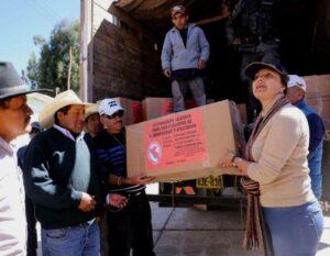 FOTOS Y VIDEO. Gobernadora Osorio llegó a Coporaque con ayuda para damnificados