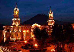 Arequipa espera 120,000 visitantes durante este mes por su aniversario