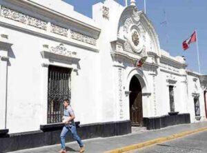 Llega autoridad de Lima para iniciar proceso de nombramiento de nuevo prefecto