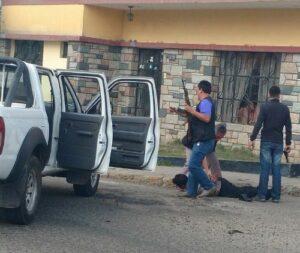 """VIDEO. Detienen a """"marcas"""" cuando huían de Arequipa con 35 mil dólares robados"""