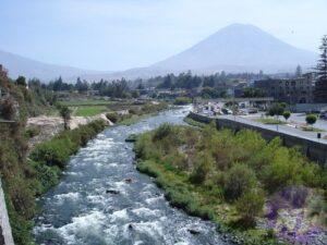 Buscan sensibilizar a la población para el cuidado del río Chili mediante campaña