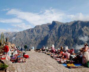 Turistas con problemas auditivos contarán con intérprete de señas en el valle del Colca