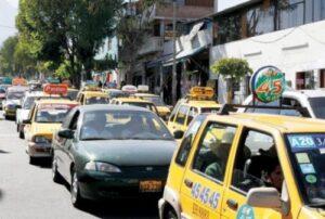 Dan 10 años de plazo para que taxistas puedan circular sin tener SETARE