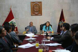 Ministro de Energía y Minas informó sobre Gasoducto Sur Peruano sin convencer