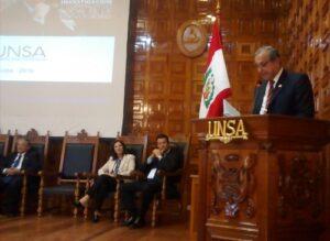 Universidades latinoamericanas realizan coloquio sobre investigación en Arequipa