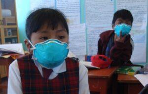 Primeros afectados por erupción del volcán Sabancaya son los niños