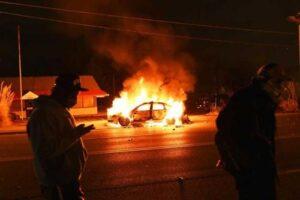 Comisaría en Camaná pierde su único patrullero al incendiarse