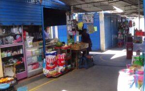 Vendían productos vencidos hasta dos años atrás en centro ferial Santa Rosa
