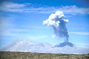 El pueblo que desafió al volcán fumador