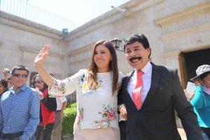 Gobernadora Regional y alcalde provincial de Arequipa fumaron la pipa de la paz