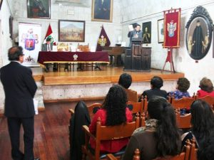 """Presentan libro """"Fragmentos para escribir la historia de la participación de Arequipa en la guerra con Chile"""""""