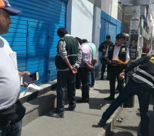 "FOTOS.Capturan banda de ""marcas"" que iban asaltar empresaria en Aventura Plaza"