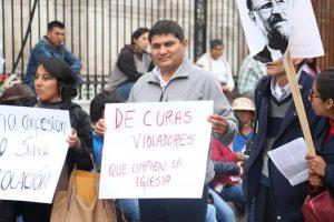 Congresista Horacio Zeballos participó de plantón contra impunidad de crímenes del Sodalicio