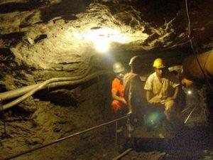 VIDEO. Siete mineros atrapados por deslizamiento en mina en Acarí