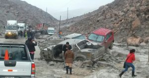 Tres muertos causó huaico que cayó en la variante de Uchumayo
