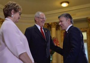 Kuczynski y Santos llegan a Arequipa para Gabinete Binacional