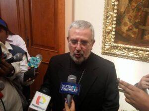 VIDEO.Arzobispado suspende a sacerdote por presuntos tocamientos a menor