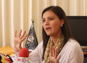 """Gobernadora Osorio causa reacciones al publicar """"#FueraSodaliciodelPerú"""""""