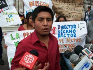 VIDEO. Estudiantes de la UNSA protestan a favor de expulsados y suspendidos