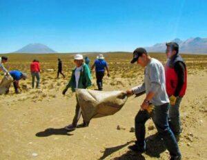 Viajeros que van a Puno y Cusco contaminan con basura reservas de Salinas