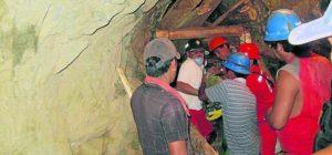 Descartan esperanza de hallar vivos a mineros sepultados por huaico