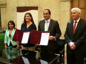 GRA firma convenio con IPD para mejorar instalaciones del estadio Melgar