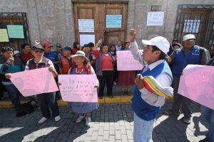 Canillitas protestan porque no les permiten atenderse en centros de salud