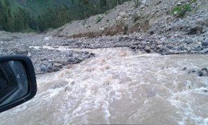 Deslizamientos en carreteras de Yarabamba por lluvias