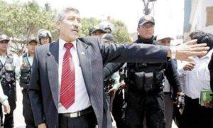 Fiscalía de corrupción de funcionarios investiga a alcalde Manuel Vera