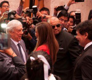 Mario Vargas Llosa pide solidaridad a los peruanos por desastres climatológicos