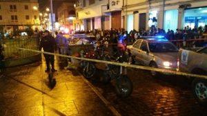 Pánico se desata por balacera en el mercado San Camilo tras asalto