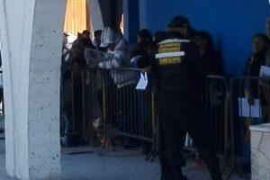 Largas colas y caos en primer día de entrega de fichas del Promuvi