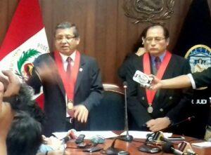 Detienen a juez de paz que pidió dos mil soles a litigante