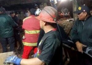 Recuperan otro cuerpo de los mineros sepultados por huaico en Acarí