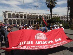 Trabajadores administrativos de Educación exigen aumento de sueldo