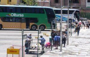 En bus, roban 40 mil soles en equipos a periodistas españoles