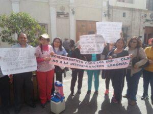 Trabajadores del sector Salud exigen mejoras laborales con protesta
