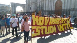 Gremios tomaron calles para rechazar incremento pasaje en transporte público