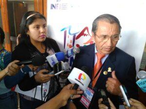 Presidente Asociación de Municipalidades a favor de reelección alcaldes