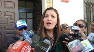 Yamila Osorio anunció aplicará plan de reemplazo si docentes no retornan