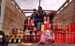 Policía incauta 2 mil 572 botellas de licores finos de contrabando en cochera