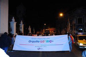 FOTOS. Concurrida marcha del orgullo LGTBIQ en calles céntricas de Arequipa