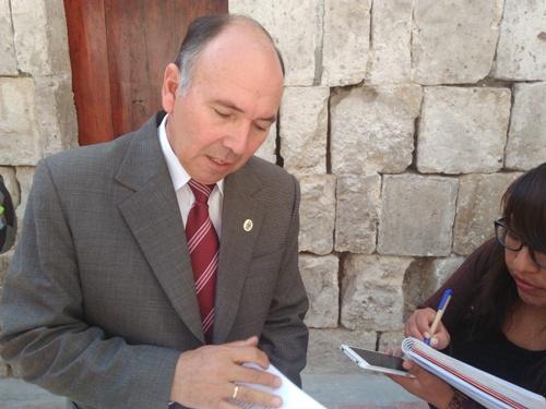 Carlos Dongo.