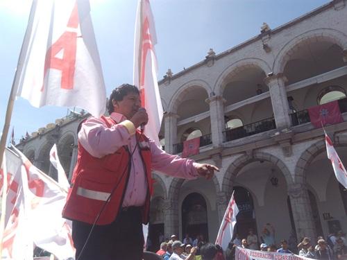 El secretario general del Frente de Defensa de Trabajadores de Arequipa (FDTA), José Luis Chapa,