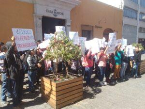 Estudiantes de la UNSA protestan por infraestructura y calidad de docentes