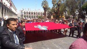 Con desfile cívico municipalidad inicia festejos por 477° aniversario