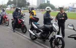 Jefe policial respaldó proyecto que prohíbe dos varones en moto