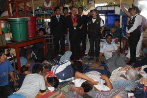 Hasta en baños y pasadizos duermen los internos en el penal de Socabaya