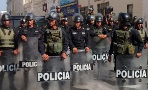 Efectivos policiales al retiro.
